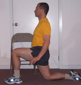 picture of proper positioning for the hip flexor stretch