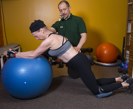 photo illustrating functional movement exercise coaching and home exercise idea